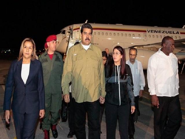 Maduro viajó a Cuba para entregar insumos por el huracán Irma 7