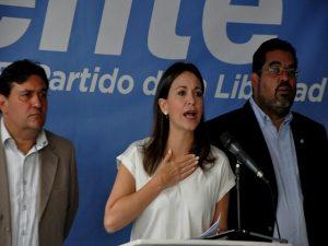 Machado rechaza acuerdos de la MUD con el Gobierno para el diálogo 1