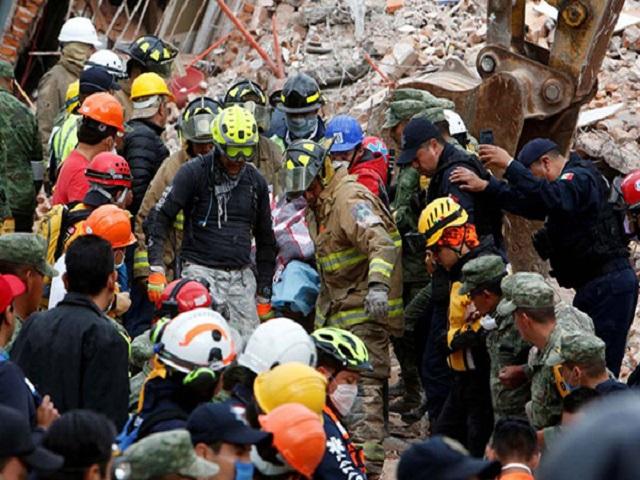 Protección Civil de México no da esperanzas de rescatar más sobrevivientes 47