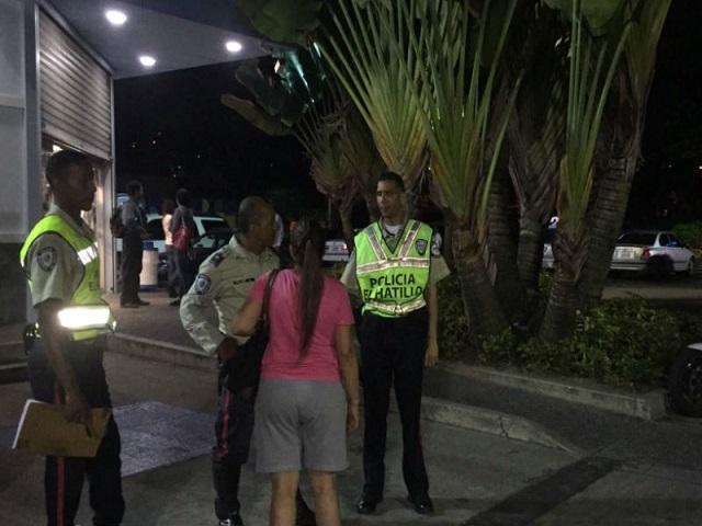 Dos antisociales heridos tras enfrentamiento en Farmatodo de La Lagunita 9