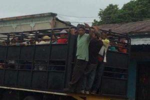 """Esto es lo que hace el Gobierno para llenar sus marchas con sus """"seguidores"""" (+Fotos) 2"""