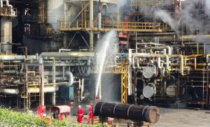 Usuarios reportaron incendio en Refinería El Palito (+Fotos+Video) 3