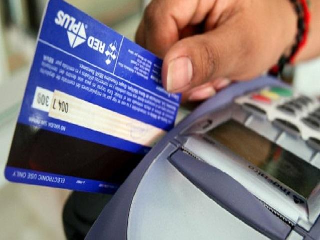 Bancos cobrarán a los comercios comisión por uso de puntos de venta 18