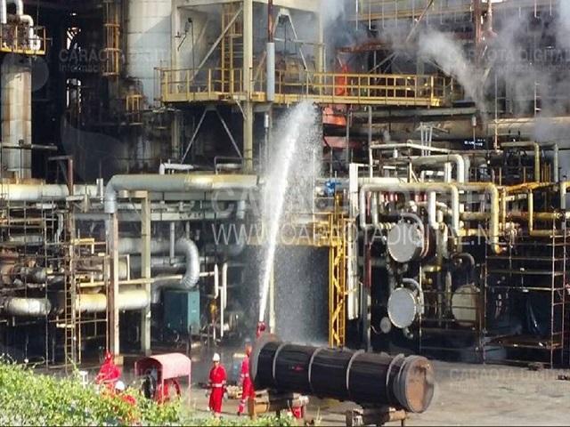 Usuarios reportaron incendio en Refinería El Palito (+Fotos+Video) 1