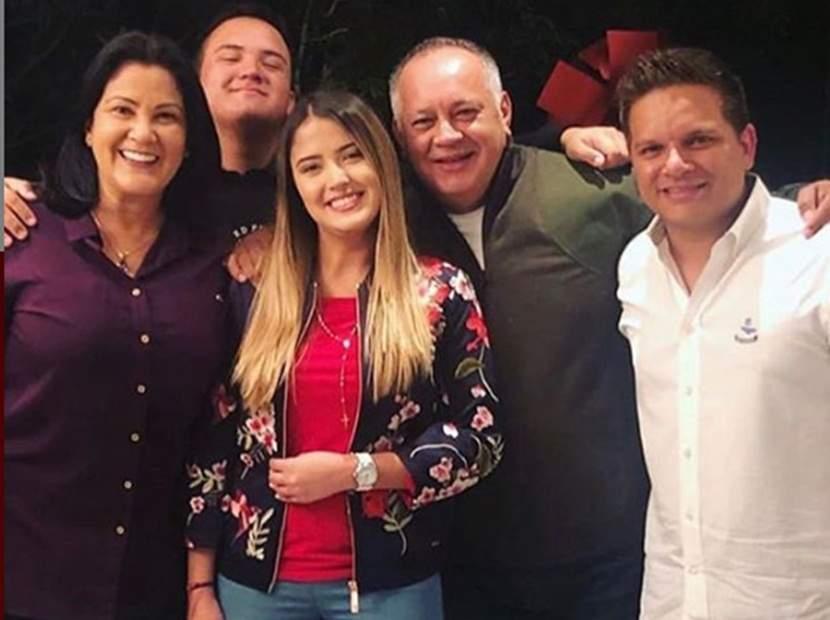 """Así desea la controvertida familia Cabello """"Feliz Navidad"""" a una Venezuela devastada (FOTOS) 33"""
