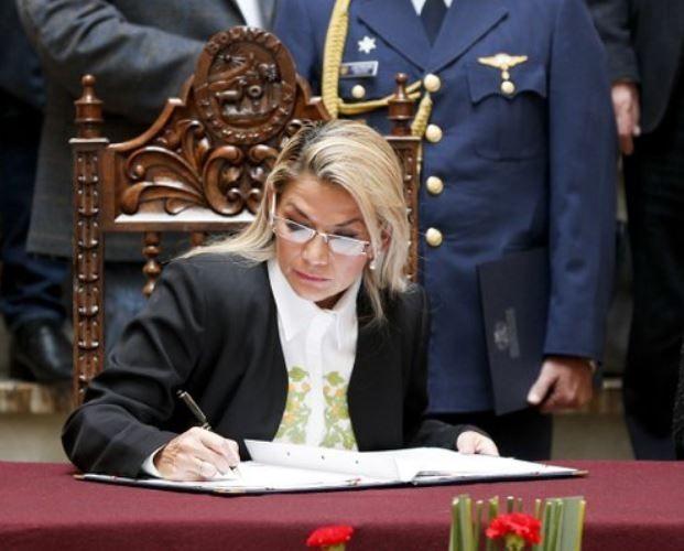 Presidenta (E) de Bolivia emitirá orden de captura contra Evo Morales 29