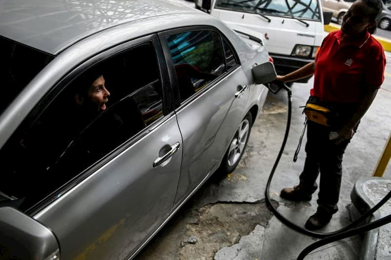 """Hasta los mismos chavistas lo confirman: """"No hay reservas de gasolina"""" 6"""