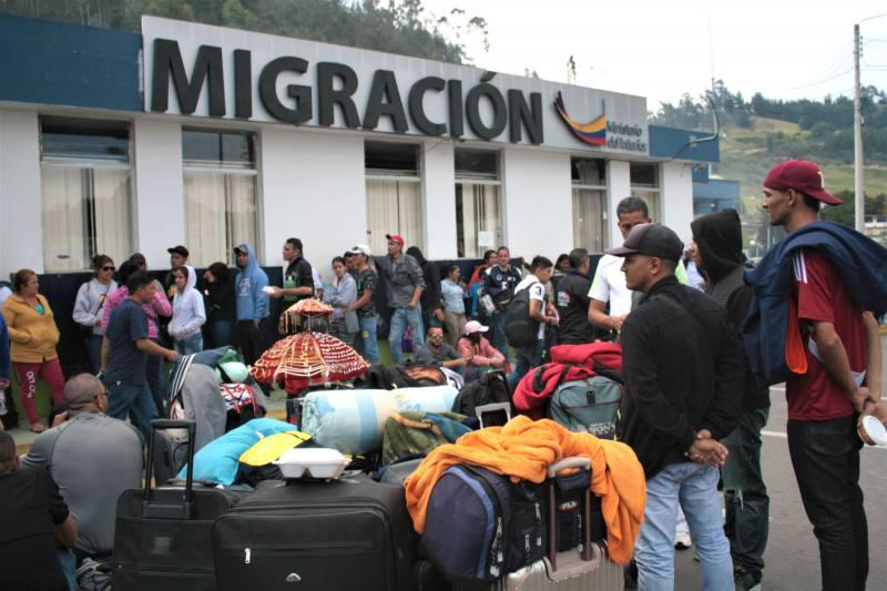 """Suspenden """"hasta nuevo aviso"""" el transporte público hacia la frontera en San Antonio del Táchira 1"""