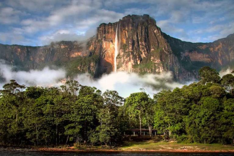 """Canaima en riesgo de entrar en la """"lista roja"""" del patrimonio mundial en peligro por contrabando de oro 9"""