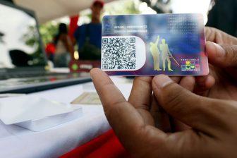 Gobierno exige a trabajadores de la salud el carnet de la patria para entregar bono de cuatro dólares 1