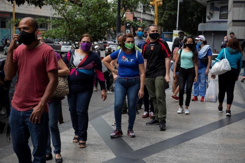 Infectólogos venezolanos recomiendan celebrar el Carnaval en casa y usar el tapaboca 2