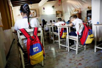 Maduro dijo que planea una vuelta parcial a clases en febrero pese al Covid-19 1