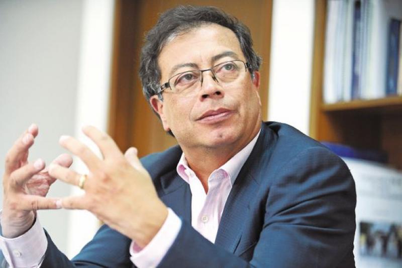 Senador Gustavo Petro es ya precandidato presidencial 32
