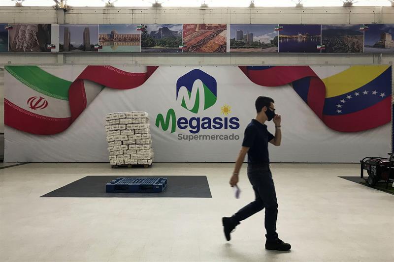 """Supermercado iraní """"Megasis"""" ya es un foco de contagio de Covid-19 (Un trabajador infectado) 1"""