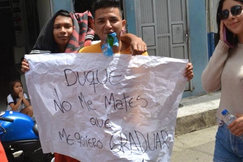 """""""Duque no me mates que me quiero graduar"""": La imagen del jóven asesinado en Samaniego por protestar 4"""
