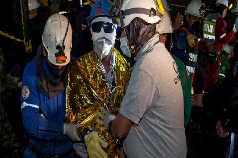 Rescatan a los mineros atrapados en Lenguazaque (tweet) 1