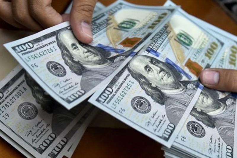 Dólar paralelo se desploma una vez más esta semana y así se cotizó al inicio de jornada de este viernes 2