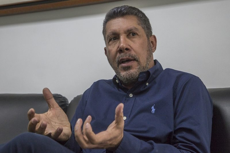 Henri Falcón calificó la postura de Capriles como el camino correcto y así le respondieron en redes (video) 1