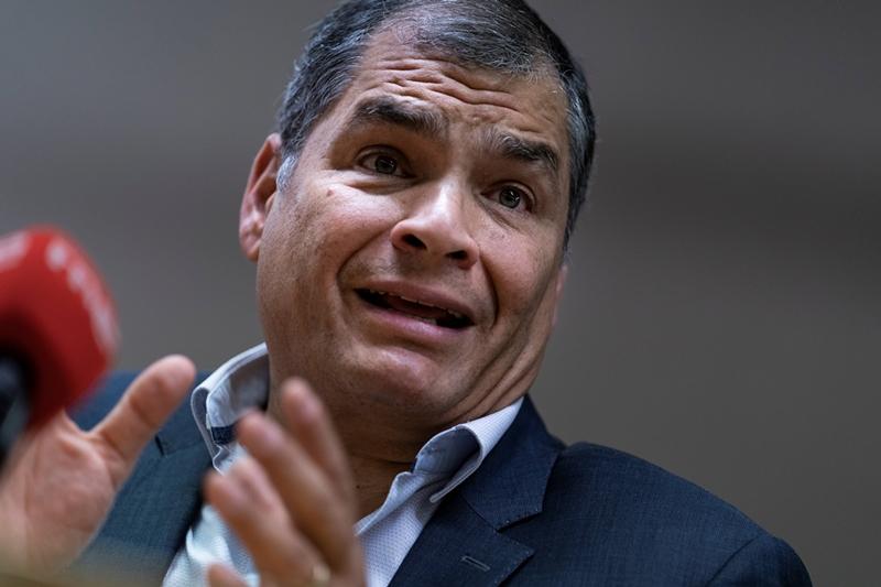 Ecuador pide a la Interpol emitir una notificación roja contra Rafael Correa por caso de corrupción 1