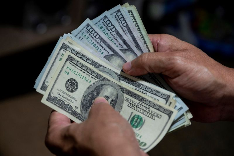Dólar paralelo se cotiza a la baja para la jornada de este martes 13