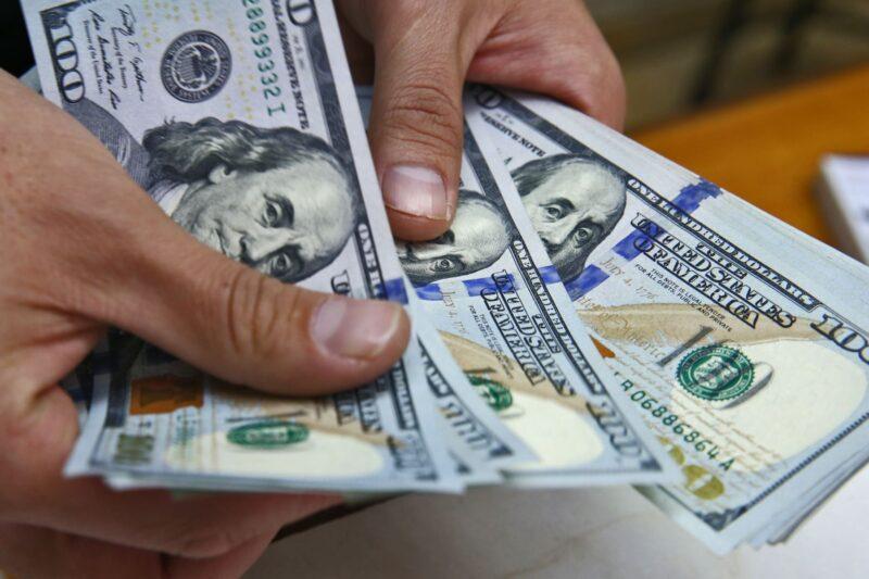 Sube nuevamente el precio del dólar paralelo y así se cotiza para la jornada de este miércoles 8