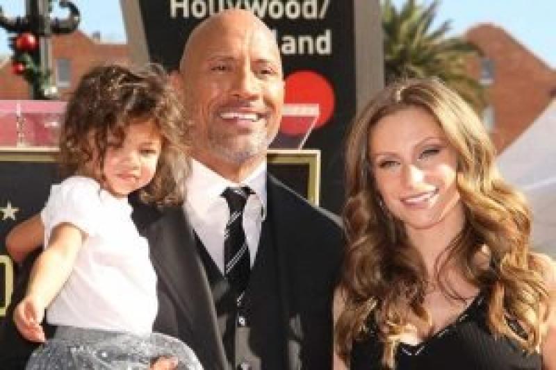 El actor Dwayne Johnson anunció que él y su familia dieron positivo al Covid-19 1