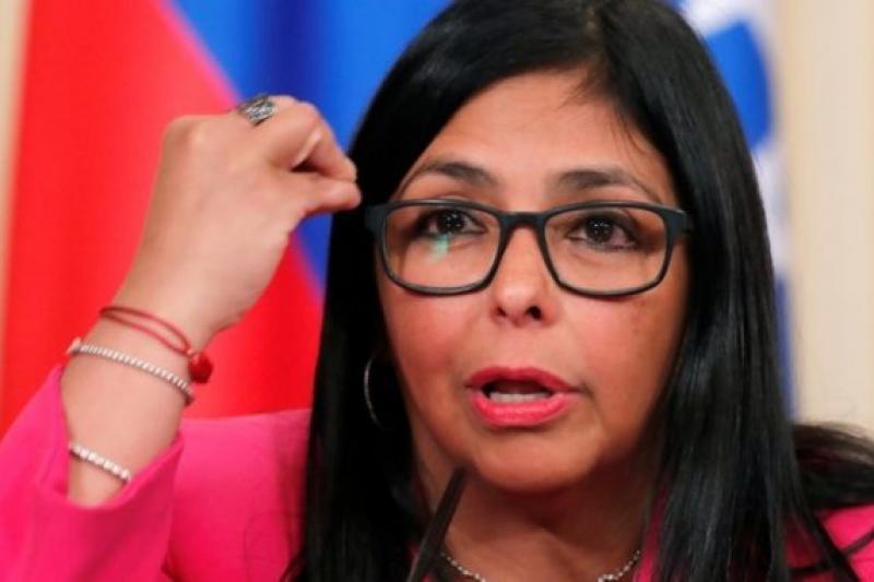 Delcy Rodríguez ordenó pagar millones de dólares a Pablo Iglesias y sus 8 compinches 1