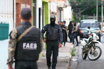 Hasta granadas le lanzaron a las Faes en La Vega (Video) 1