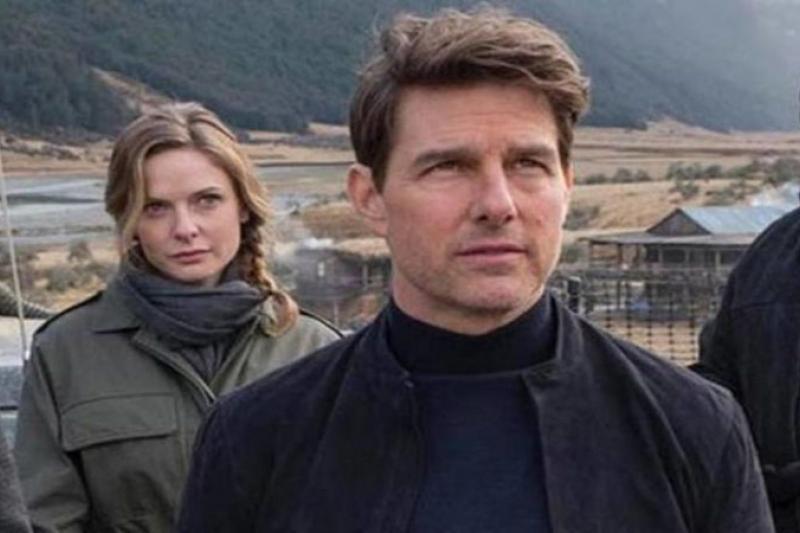 """Tom Cruise realizando una escena de riesgo en """"Misión Imposible 7"""" (video) 1"""