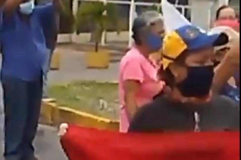 Larenses protestan por la falta de servicios públicos (video) 2