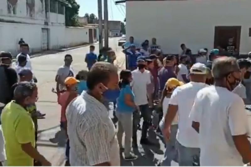"""""""Libertad, hambre, queremos gas"""": El grito de protesta de los zulianos (video) 7"""