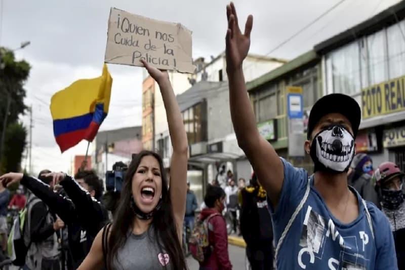 Disturbios en Bogotá ya dejan al menos 11 muertos 19
