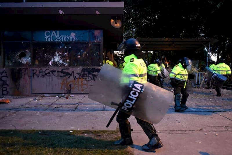 ELN niega participación en protestas y ataques a CAI en Bogotá 14