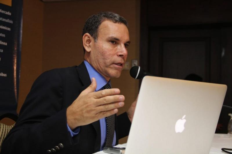 Luis Vicente León alaba a Capriles por negociar con Maduro 5