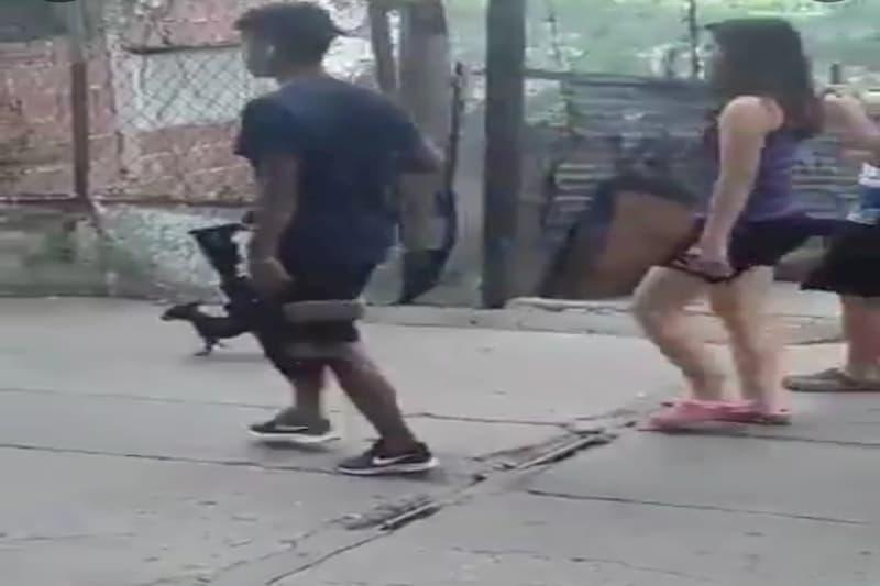 El susto de un GNB al ver a un delincuente con un fusil (video) 1