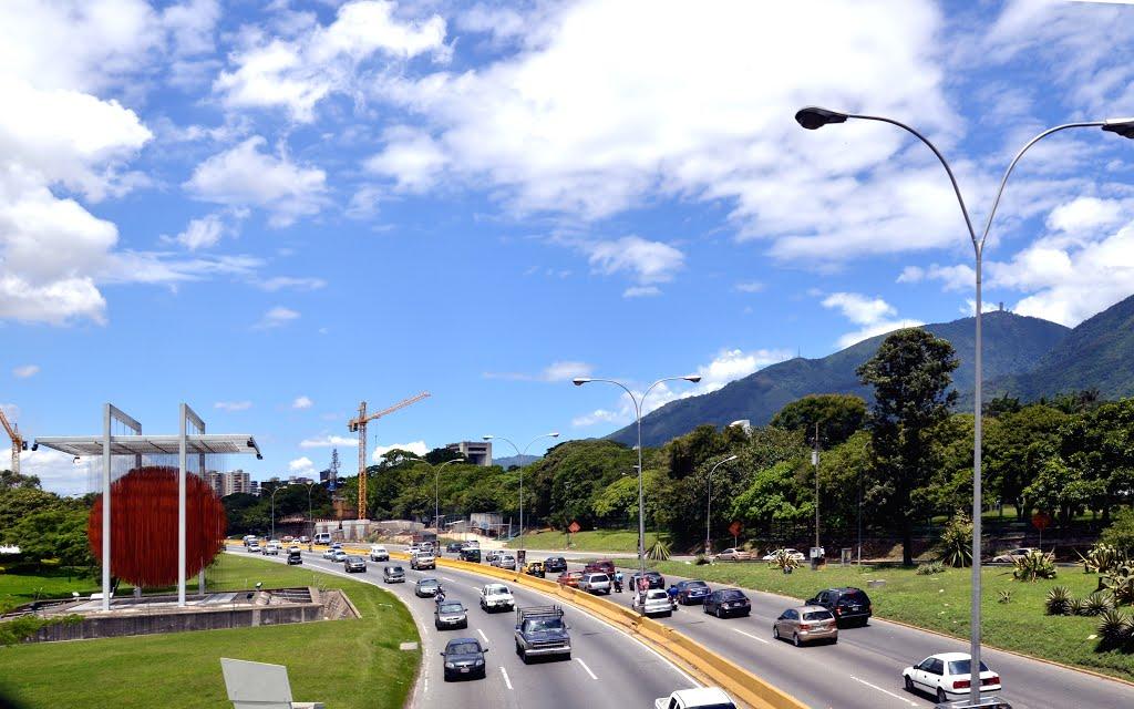Así será el nuevo nombre de la autopista Francisco Fajardo, según Nicolás Maduro 1