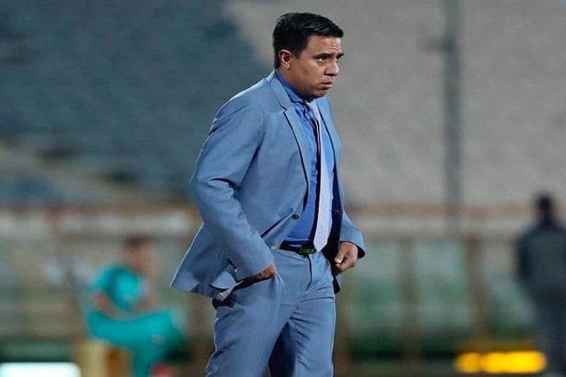"""César Farías habría sido supuestamente denunciado por la FIFPro por """"discriminación"""" y """"presiones"""" a jugadores 25"""