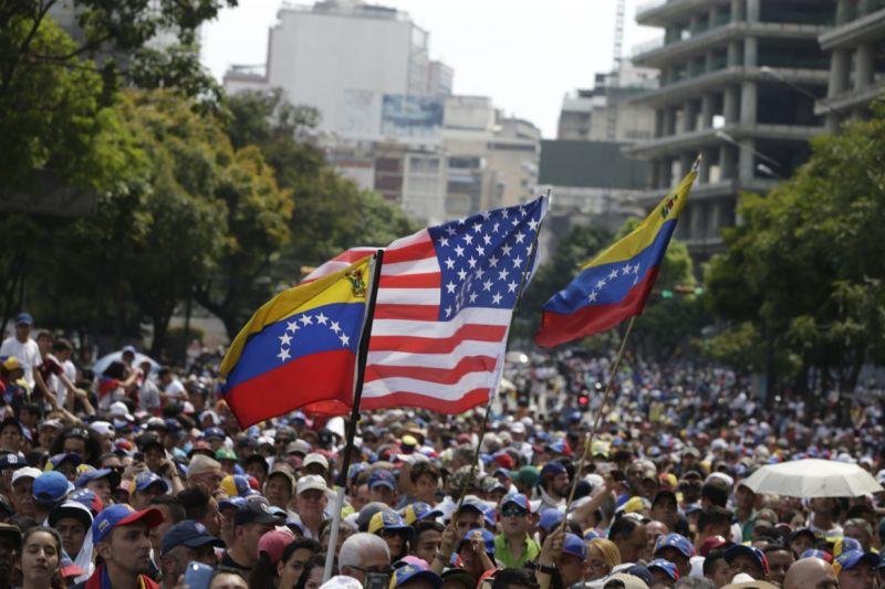 Medida de amparo que otorgó Trump a venezolanos les garantiza permiso de trabajo por el tiempo establecido 1