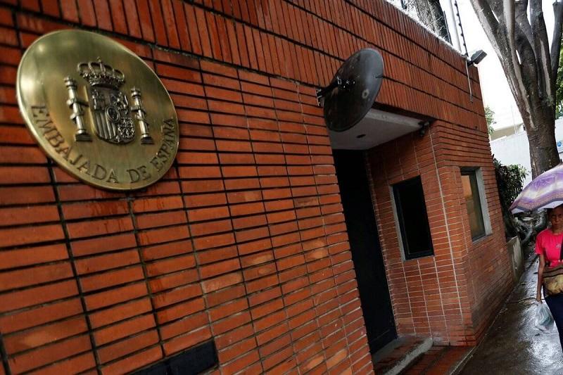 "España afirma que Leopoldo López era un ""huésped de la Embajada, no un rehén"" 6"