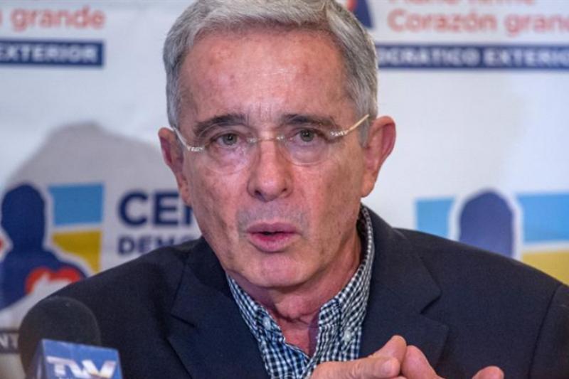 Jueza deberá definir la libertad del ex senador Uribe 1