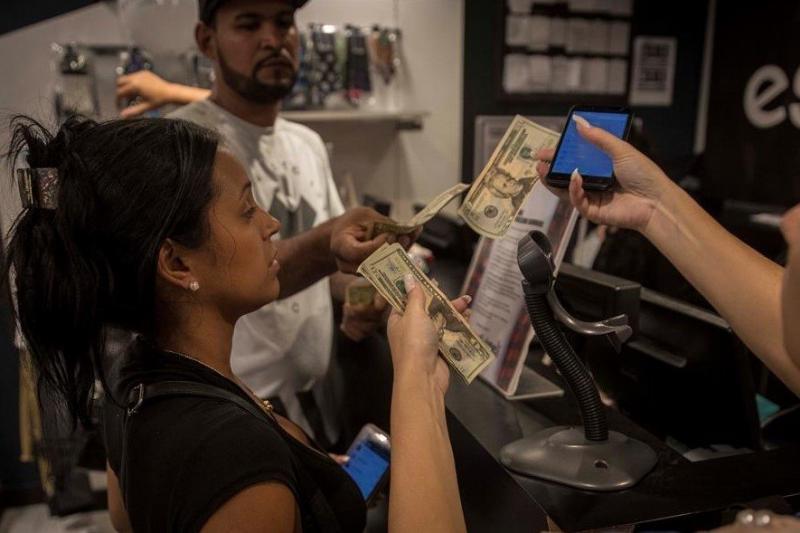 Encuesta: Estarías de acuerdo con una posible dolarización en Venezuela 33