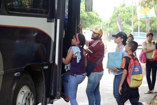 """Las nuevas promesas de Maduro al sector transporte: """"Todos los repuestos pueden hacerse en Venezuela"""" 1"""