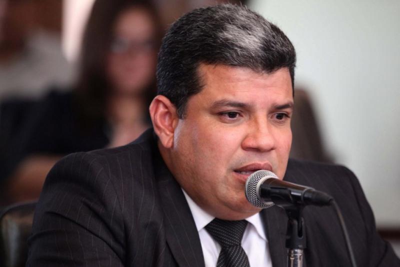 Luis Parra rompe el silencio tras polémica gira en Europa 18