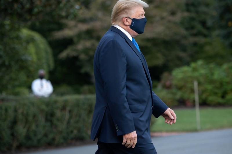 Donald Trump afirmó que no tuvo otra opción que exponerse al virus 12
