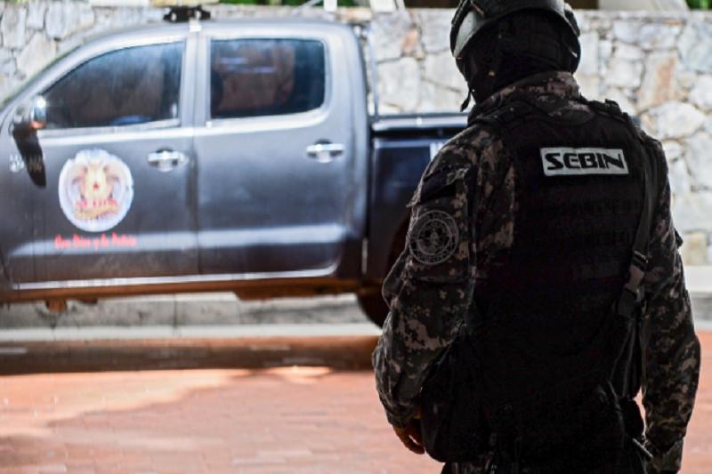 Sebin allana sede del diario Correo del Caroní en Puerto Ordaz 1