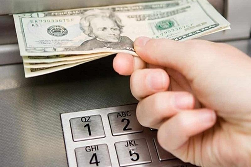 Anuncian la suspensión de la implementación de los cajeros dolarizados en el país 28