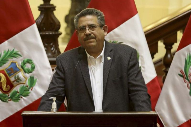 Con 120 votos a favor, el Congreso de Perú aceptó la renuncia del presidente Manuel Merino 4