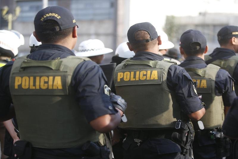 """Policías con disfraces navideños detuvieron en Perú al líder del cártel de """"Los Flaquis"""" (Video) 18"""