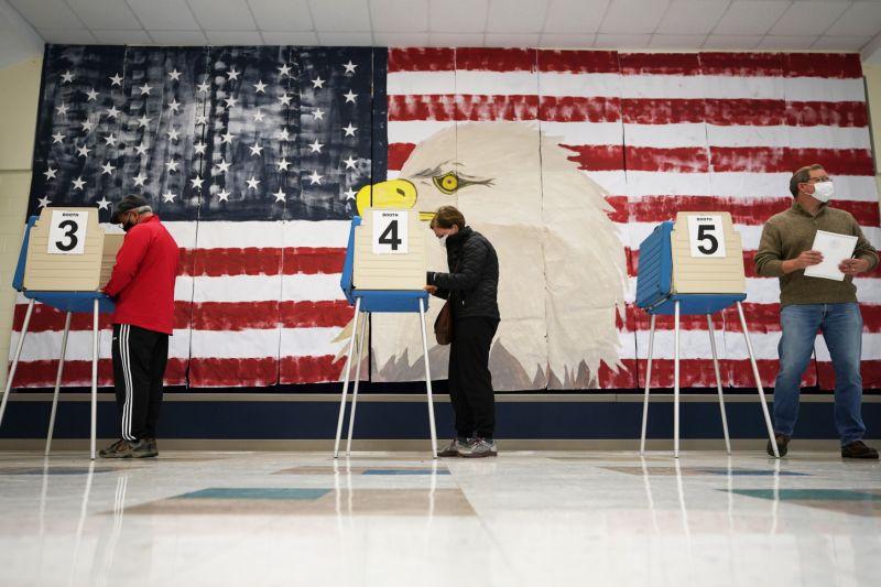 """Republicanos convocan a protestas en Pensilvania, Arizona y Michigan para """"proteger el voto"""" 2"""