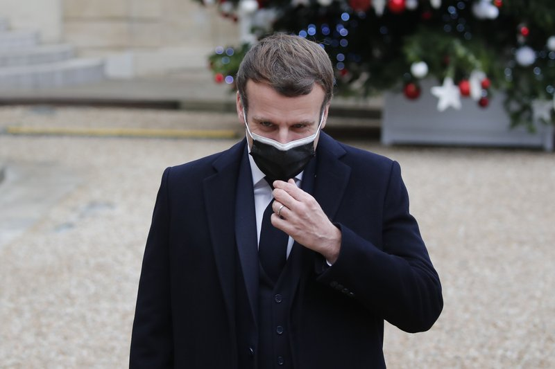 Emmanuel Macron anunció que dio positivo por covid-19 1